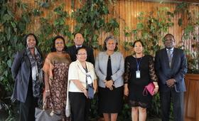 Photo de groupe des différentes personnalités venues accueillir la Directrice Régionale
